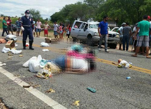 Três pessoas morrem em grave acidente na BA - 142, próximo a Sussuarana
