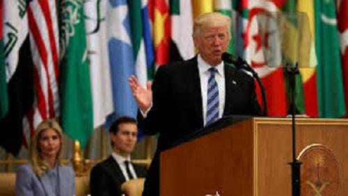 Trump pede a países muçulmanos que isolem o Irã