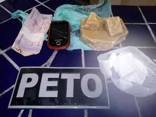 Adolescente é detida com cerca de 10 mil reais em drogas no centro da cidade