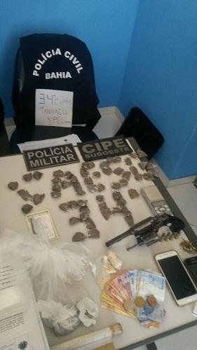 34ª CIPM e CIPE-Sudoeste em operação conjunta apreende drogas e armas em Tanhaçu
