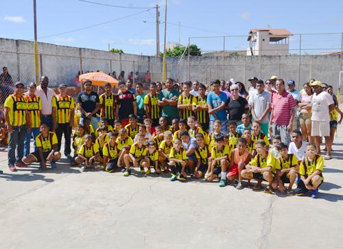 Desportistas do Bairro São Félix fundam Escolinha de Futebol para ajudar crianças carentes