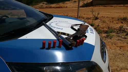 Polícia apreende homem com espingarda e munições em Maetinga