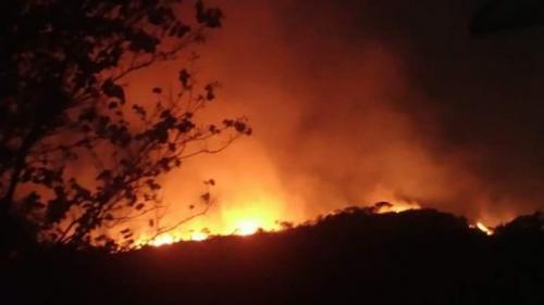 Após três dias, incêndio é contido no Morro do Zuca, município de em Ituaçu