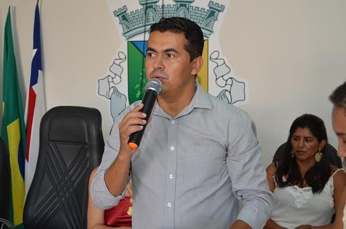 Justiça concede direito de resposta ao prefeito Gil Rocha após acusações divulgadas em programa de Rádio