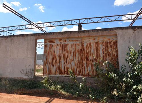 Local destinado a mercado público é utilizado por usuários de Drogas em Guajeru