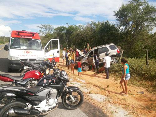 Motorista que seguia para Guajeru sofre acidente próximo a Malhada de Pedras