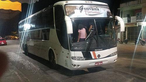 Motorista de ônibus de tursimo passa mal durante a viagem e é atendido no PSF de Ibitira
