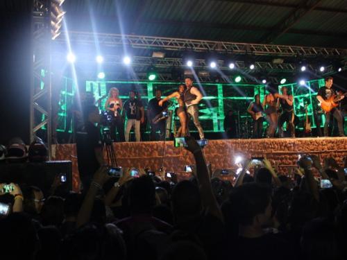 Chimbinha deixa palco em Teresina após Joelma se recusar a dançar