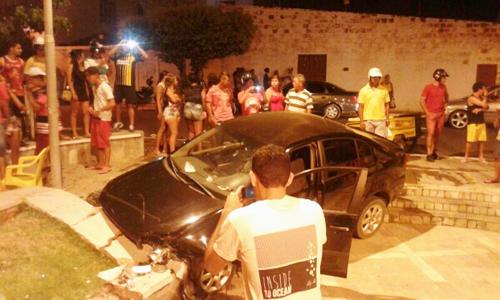 Motorista por pouco não foi linchado ao dar 'Cavalo de Pau' e quase provocar uma tragédia