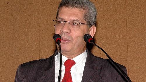Zé Raimundo defende reposição salarial para policiais e professores