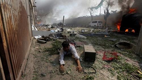 Explosão em bairro de embaixadas mata 80 e fere 300 em Cabul
