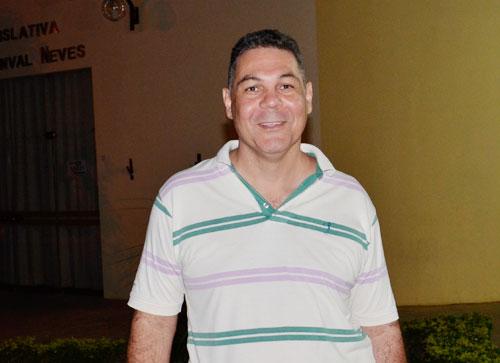 Mesmo sendo conhecido de poucos, filho de Newton Cardoso recebe título de cidadão brumadense