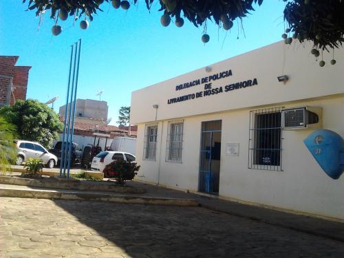 ÚLTIMO ACUSADO DE ASSALTO A RESIDÊNCIA DE EMPRESÁRIO LIVRAMENTENSE SE ENTREGA