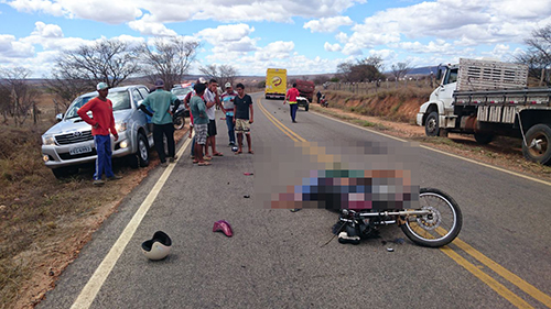 Motociclista morre em Malhada de Pedras ao colidir em caminhão de distribuidora de bebidas de Brumado