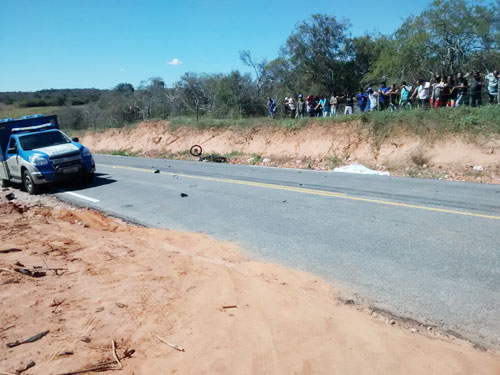 Carro a serviço do Exercito colide com moto na BA – 026 entre Malhada e Rio do Antônio, uma pessoa morreu