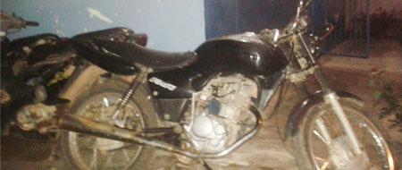 Com passagens por furto de gado e café, homem é detido novamente com moto roubada