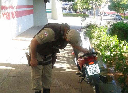 Moto furtada em Malhada de Pedras é recuperada pela polícia em Guanambi