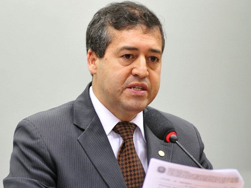 Governo vai propor mudanças na lei trabalhista até fim do ano, diz ministro