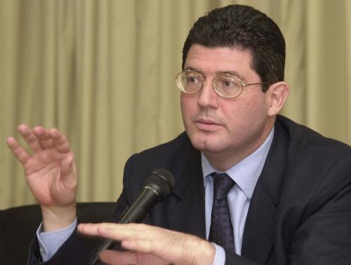 Governo quer usar dinheiro do fundo de garantia para financiar o BNDES