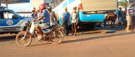 Ônibus da empresa  Novo Horizonte colide com motocicleta em Barra da Estiva