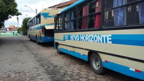 Ônibus da Novo Horizonte quebra e passageiros reclamam da qualidade do serviço da empresa