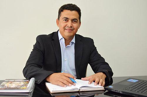 Prefeito de Guajeru sanciona lei que autoriza repasse do PMAQ aos servidores da Atenção Básica
