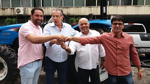 Vereador André Berkovitz recebe primeira parte do recurso de meio milhão obtidos para Rio do Antônio