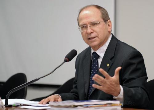 Deputado Roberto Brito aparece na lista dos investigados do 'Lava Jato'