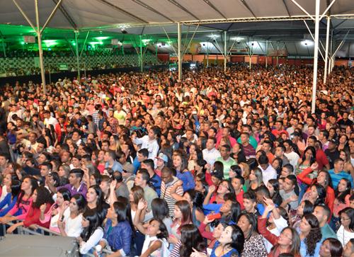 Mais de 11 Mil pessoas compareceram no Forró do Roça Roça 2015