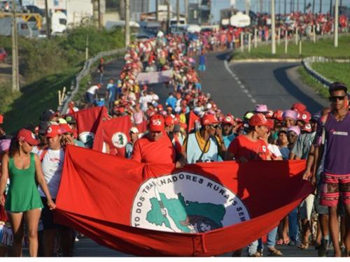 Com parada em Amélia Rodrigues, marcha do MST segue para Salvador