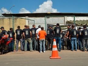 Penitenciários são notificados pela Justiça e suspendem greve na Bahia