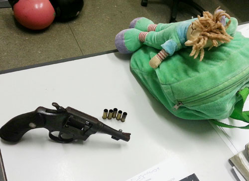 Achando que estava sendo traído,  homem efetua cinco tiros no suposto amante da esposa