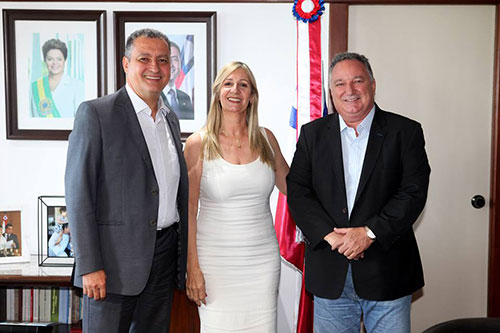 Em encontro com governador, prefeita de Malhada de Pedras oficializa reivindicações