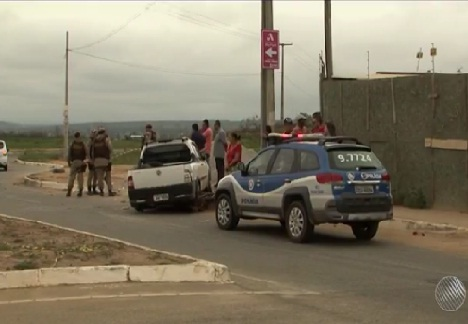 Em fuga da PM, adolescente em carro roubado atinge e mata motociclista