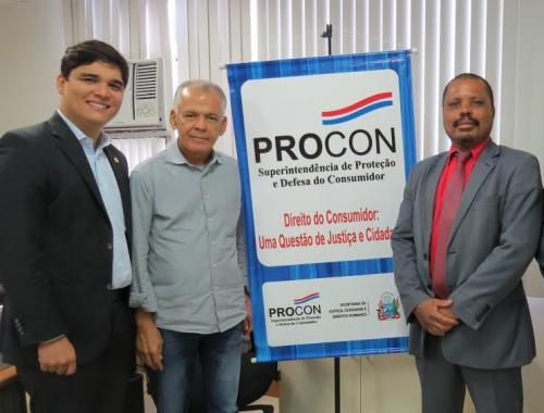 Deputado Vitor Bonfim garante instalação de unidade do Procon em Brumado