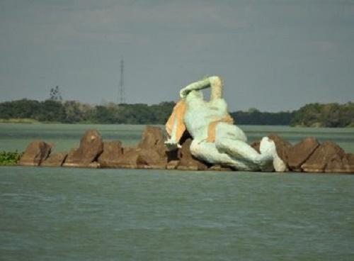 Vereador diz que estátua de Iemanjá causou seca no São Francisco