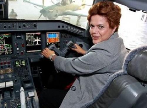 Ministros perdem direito a 1ª classe em avião e terão teto de R$ 500 para celular