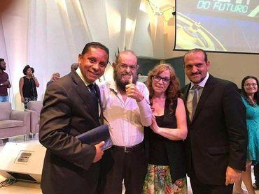 Zé do Caixão se converte e será batizado em igreja evangélica